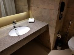 hotel click bathroom 2