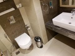 Two Story Apt, Bathroom
