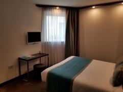 Motel-One Bedroom