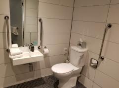 Motel-One Bathroom