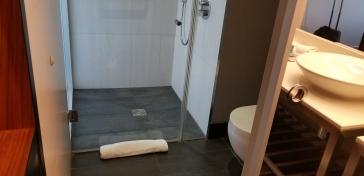 Aloft Excel Bathroom