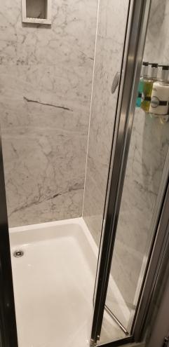 Radisson Blu Bedroom Shower