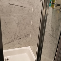 Radisson Blu Bedroom Shower